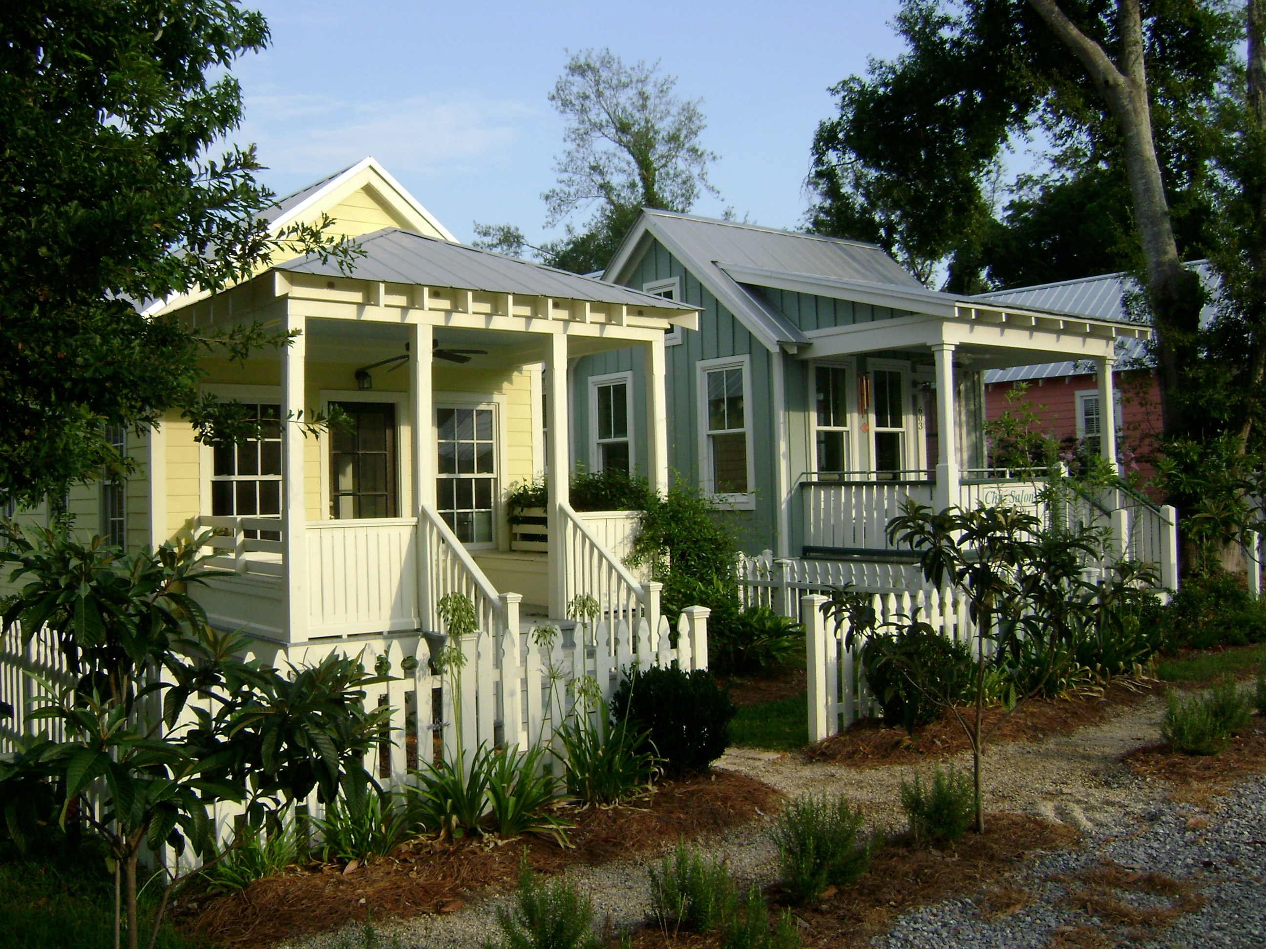 Better together small house living thrives in a community for Katrina cottages pictures
